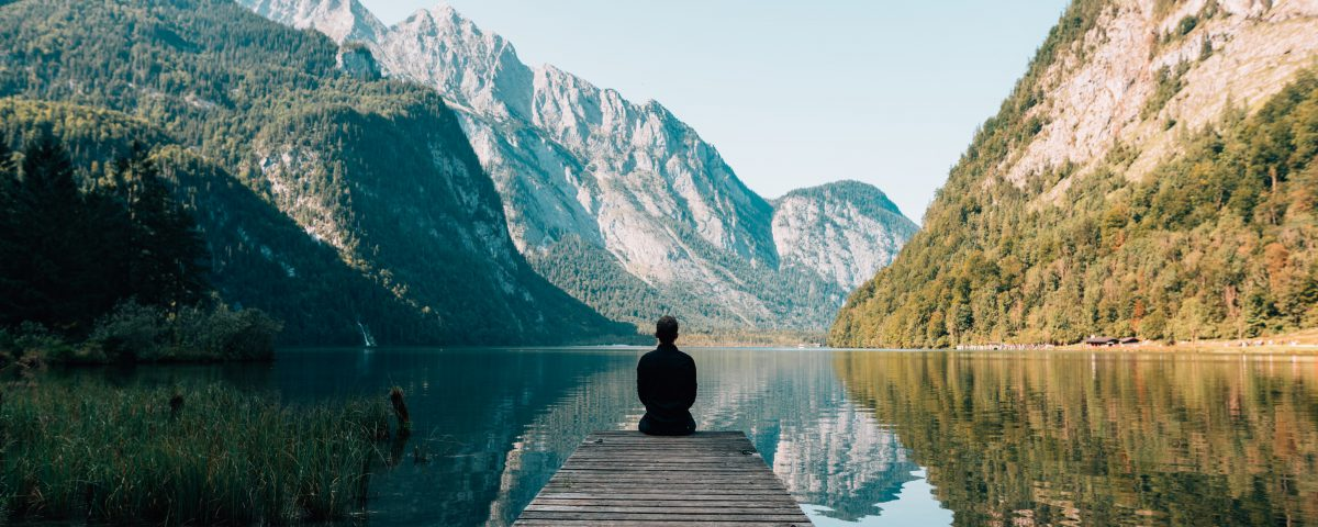 Meditation am Bergsee